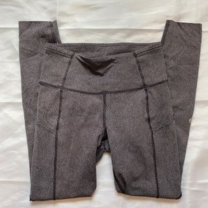 Fast & free lululemon leggings size 4